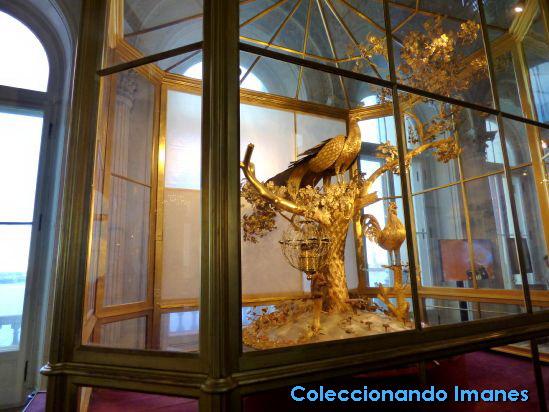 El famoso reloj dorado de pavo real en Hermitage