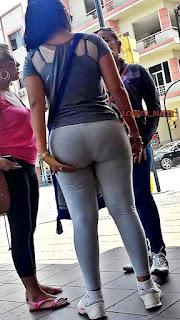 Chava pantalones yoga lindas nalgas