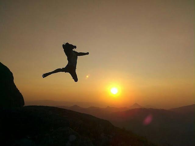 foto sunrise di gunung lanang pacitan