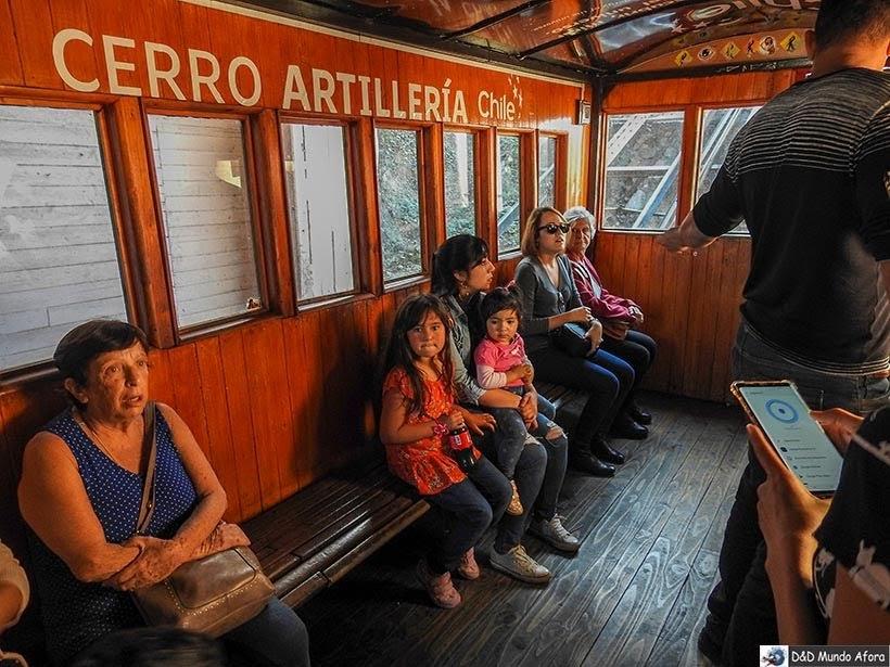 Funicular Artilleria em Valparaíso - Diário de Bordo Chile: 8 dias em Santiago e arredores