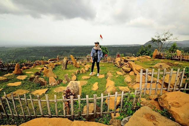 Bukit Watu Songgong