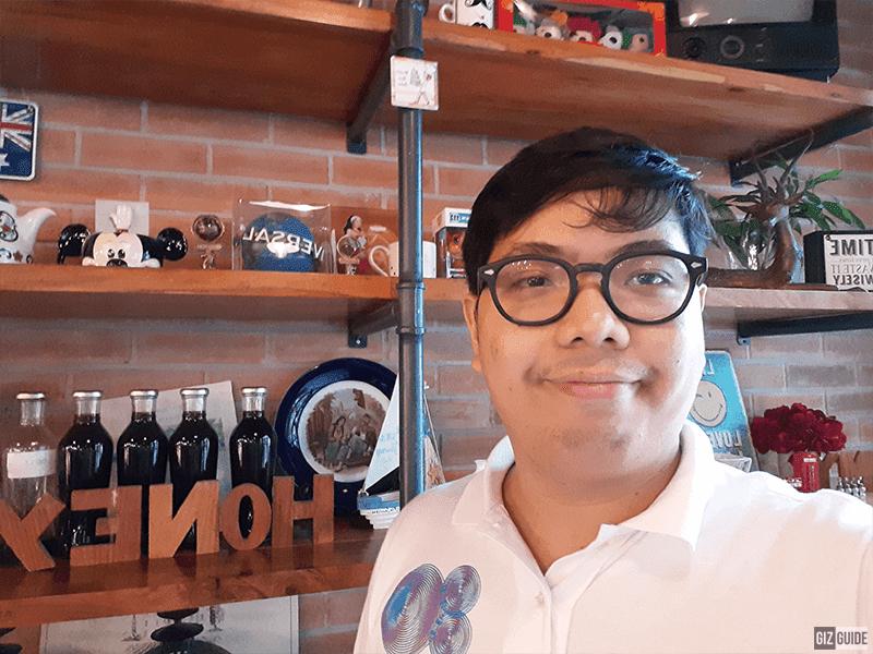 Selfie camera indoor