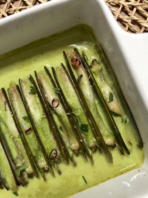 Cómo Cocinar NAVAJAS EN SALSA AL HORNO. ¡Receta Fäcil y Deliciosa en 10 Minutos!