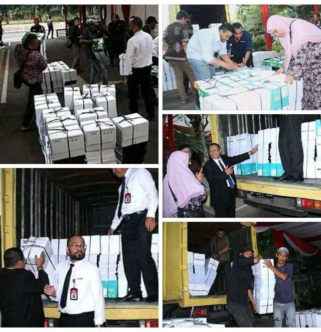 Kuasa Hukum Prabowo Kirim 4 Truk Alat Bukti ke MK, Awalnya 12