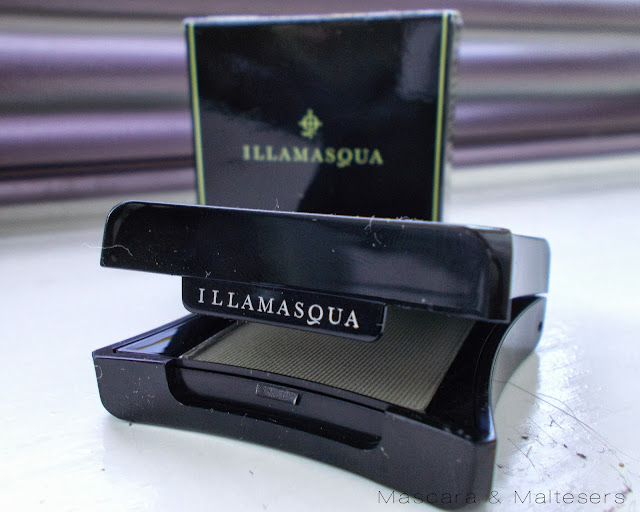 Illamasqua Brow Cake in Motto