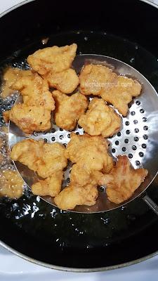 Ayam Asam manis, cara memasak ayam asam manis by amalia virshania