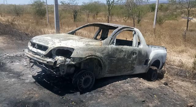 Em Delmiro Gouveia, carro pega fogo na  rodovia  AL-220