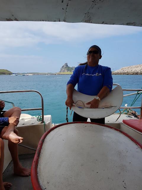 Guia explicando o uso do Aqua Sub - Fernando de Noronha
