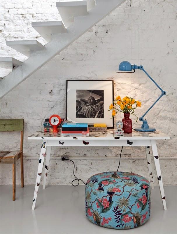 Escritorio vintage con lampara Jielde de mesa