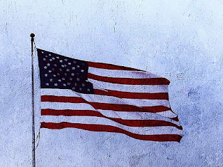 Gjør kort rede for årsakene til den amerikanske revolusjonen