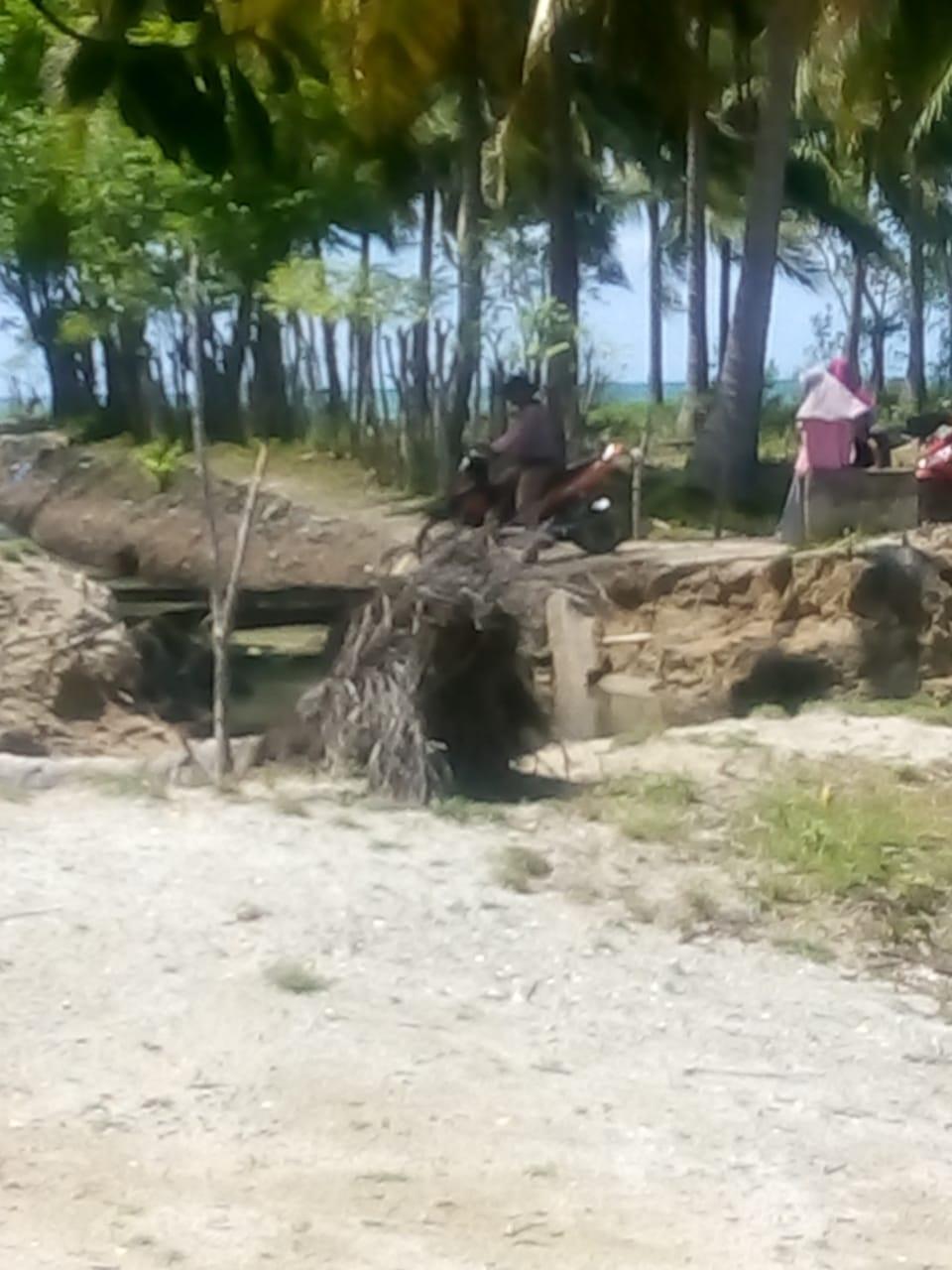 Dampak Penambangan Pasir Ilegal di Selayar, Duicker di Kampung Nane Ambruk