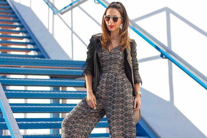 Blogger influencer valenciana con ideas de looks con estilo chic urbano con labios rojos y coleta