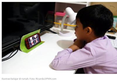 Siswa & Orang Tua Mulai Jenuh Belajar di Rumah, Mendikbud Nadiem Diminta Bikin Terobosan