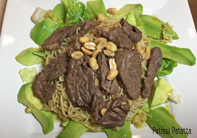 Salade asiatique, recette de salade asiatique, sucrine, gingembre, soja, nouilles chinoises, boeuf, cacahuètes, avocats, citronnelle, plat principal, saveurs d'ailleurs, patissi-patatta