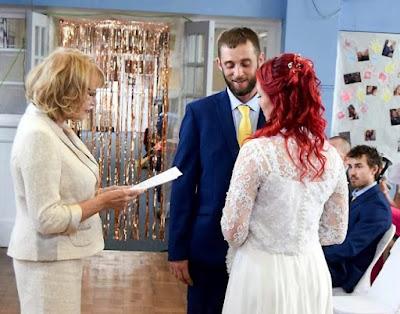 Menikah di Aula Sekolah, Inilah Kisah Manis Teman TK yang Berjodoh Saat Dewasa