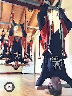yoga, aeroyoga, aerial yoga, air yoga, fly, flying, suspension, columpio, trapeze, swing, latino america, cursos, formacion, teacher training