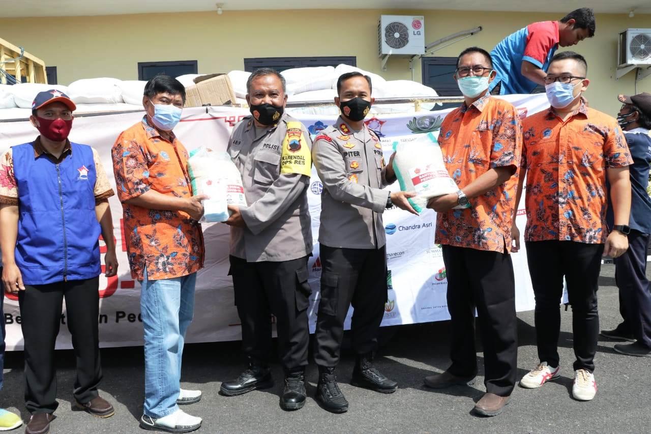 Polres Kebumen Distribusikan Bantuan Beras dari Panitia Imlek Nasional