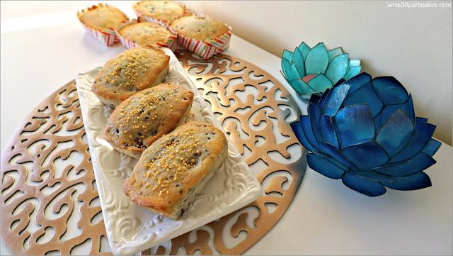 Receta de Mini Bundt Cakes de Limón y Moras