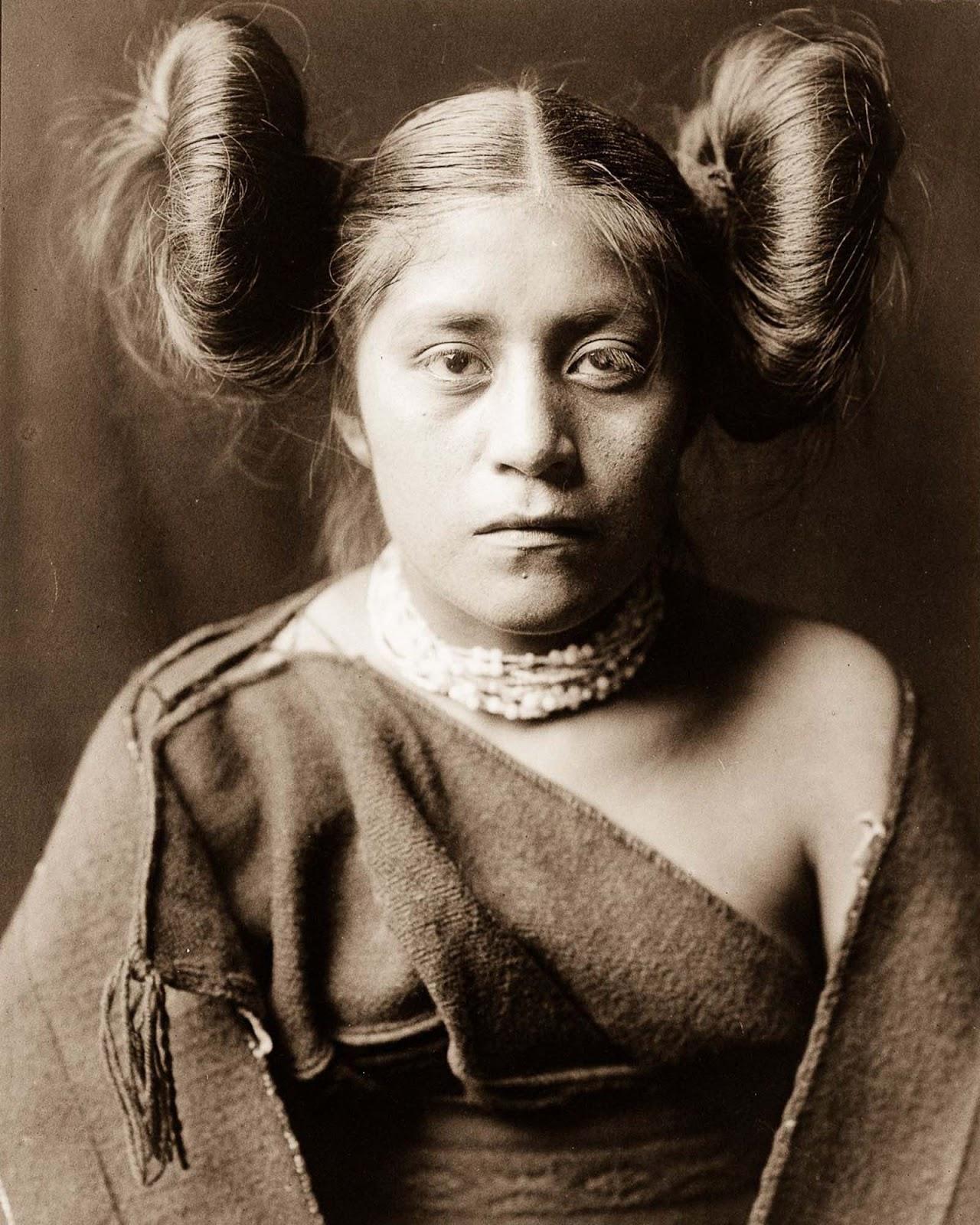A Tewa girl. 1906.