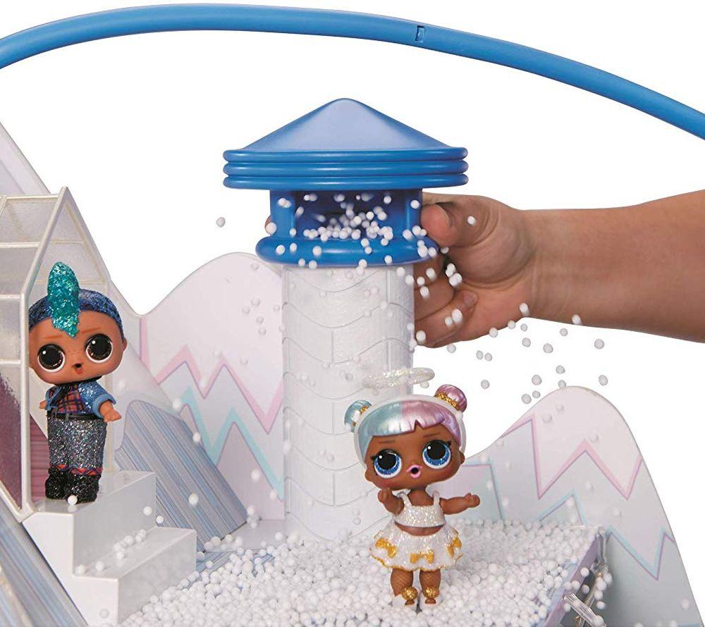 Снег в кукольном доме шале Лол Сюрприз Winter Disco Chalet