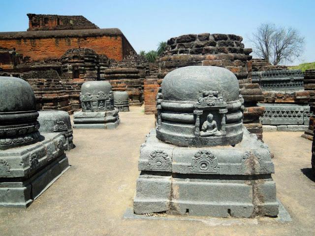 Votive stupas within a temple at Nalanda