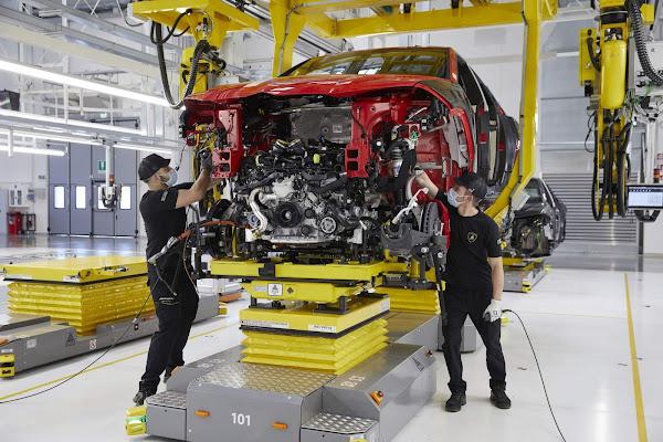 Lamborghini tem o melhor semestre de vendas de sua história