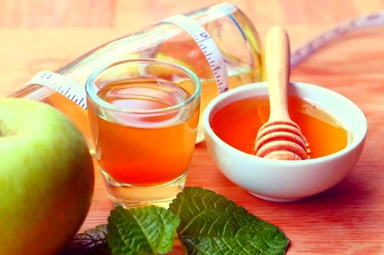 Detox Your Liver Completely Naturally: This DIY Drink Helps Eliminate Toxins & Surplus Fat