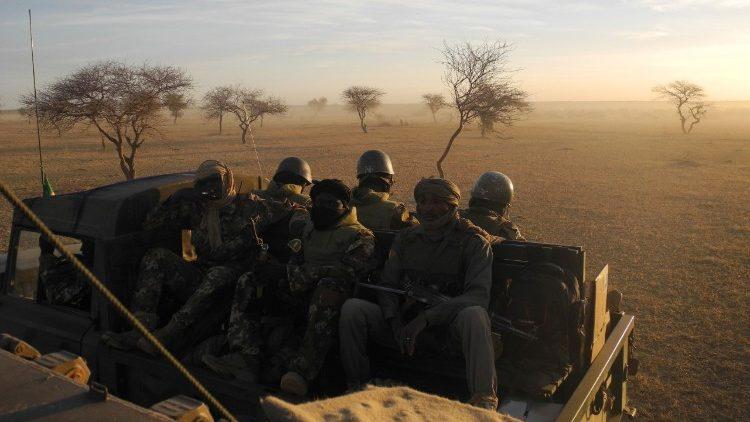 Misionaris Mali: Pemberontak Jihadis Muncul Dipicu oleh Kemiskinan