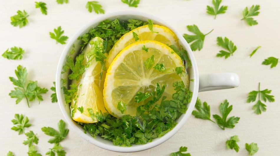 zeleni_čaj-đumbir-čaj-mršavljenje-masne naslage-limun-krastavac-peršun-napitak-vježanje-antioksidansi-gubitak_kilograma