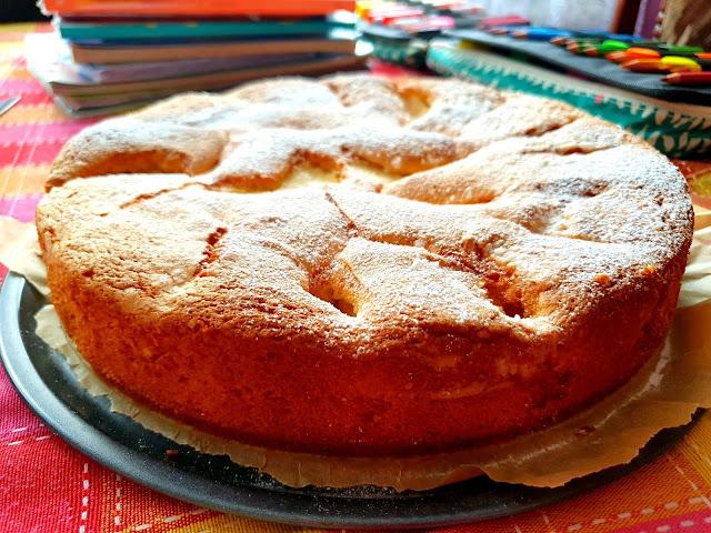 zdalne nauczanie,bardzo szybki placek,ciasto ucierane łatwe,bardzo proste ciasto,szybki ciasto,z kuchni do kuchni najlepszy blog kulinarny,ciasto z jabłkami,