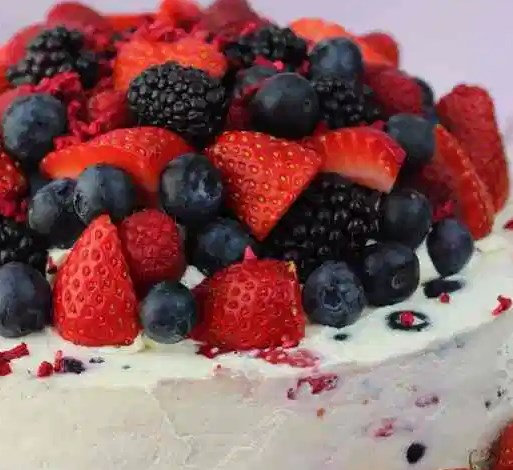 No-Bake Summer Berry Cheesecake #desserts #sweets