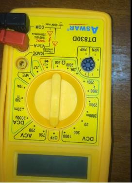 جهاز فولتميتر لقياس الجهد