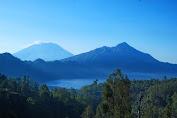 Jalur pendakian di objek wisata gunung abang bali