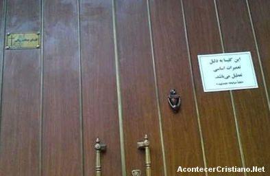 Cierran templo evangélico en Irán y detienen a sus miembros