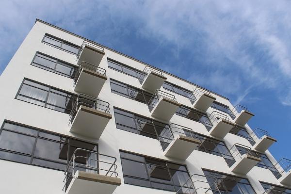 Dessau-Bauhaus-studenti-Walter Gropius