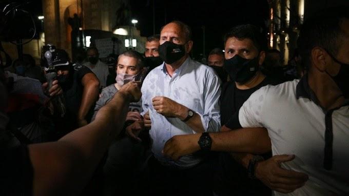 Rosario: masiva marcha contra la inseguridad donde expulsaron al gobernador Omar Perotti