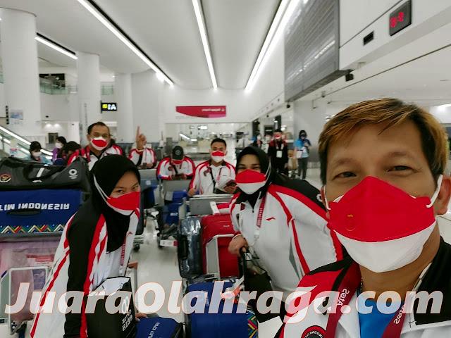 Olimpiade Tokyo 2020: Tim Angkat Besi Indonesia Tiba di Jepang