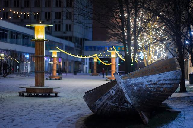 Севкабель лодка приплыли арт пространство креатив снег весной