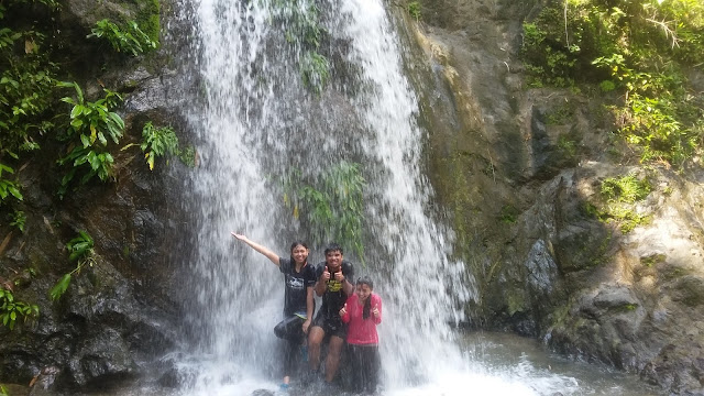 Group shot at Payaran Falls