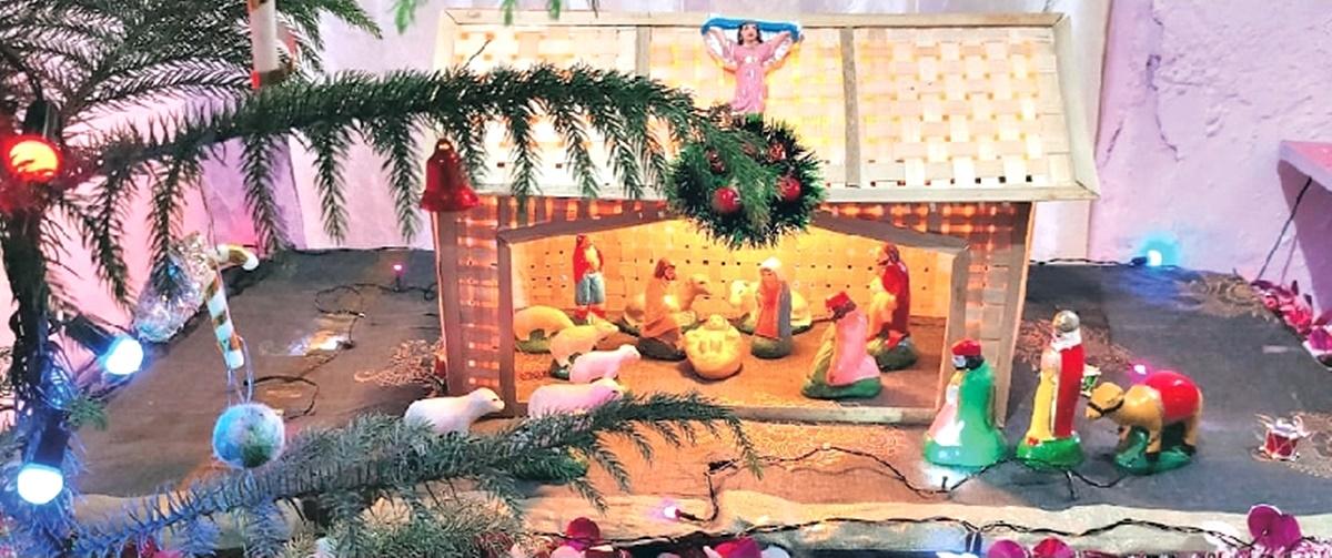 क्रिसमम मेले में हजारों लोगों ने लिया झूले-चकरी का आनंद, सजी दुकानों पर की जमकर खरीददारी