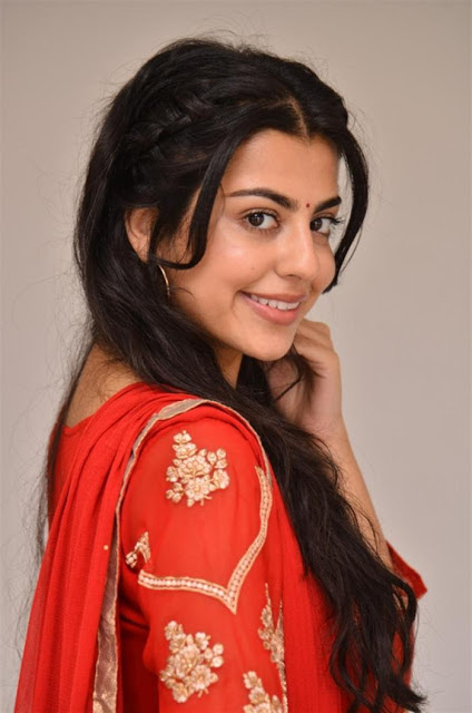 Sasha Singh Photos