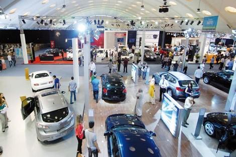 قطاع السيارات يواجه تراجع الطلب العالمي وركود السوق المحلي