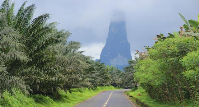 Gunung Terlangsing di Dunia Ada di Pulau Ini