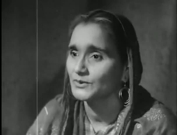 Watch Online Full Hindi Movie Barsaat 1949 300MB Short Size On Putlocker Blu Ray Rip