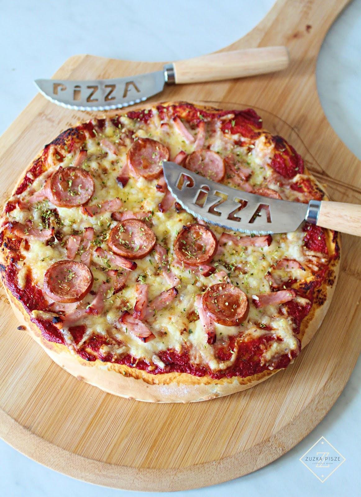 Domowa pizza jak z pizzerii - przepis