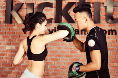 kickboxing giúp chị em có eo thon