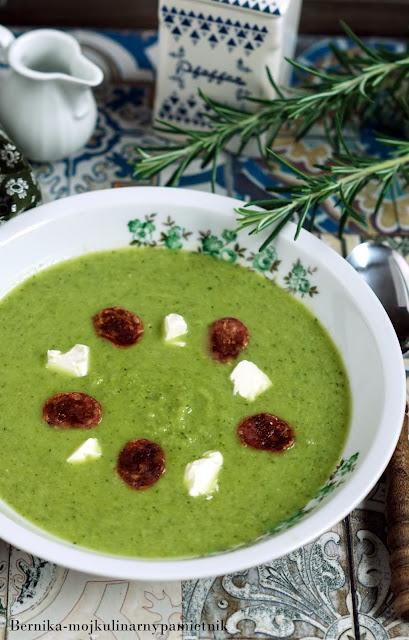 zupa, krem, warzywa, zielone, brokul, szpinak groszek, obiad, feta chorizo, bernika kulinarny pamietnik