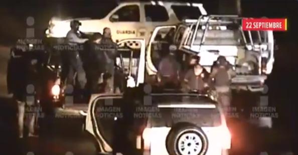 Video: Alrededor de 10 camionetas de Sicarios del Cártel de Sinaloa, dan alcance e interceptan a Municipales en Jerez, Zacatecas, hasta entonces territorio del CJNG