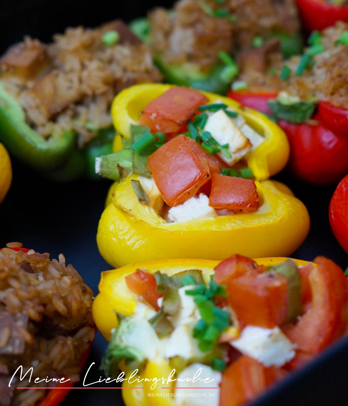 Schnelle gefüllte Paprika mit Tomaten und Feta vegan