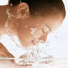 Cuci Mata Anda Dengan Air